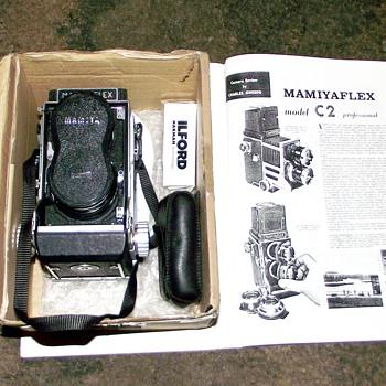 1962-mamiyaflex c2 twin lens reflex camera. - Cameras