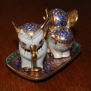 Thai Benjarong salt and pepper set
