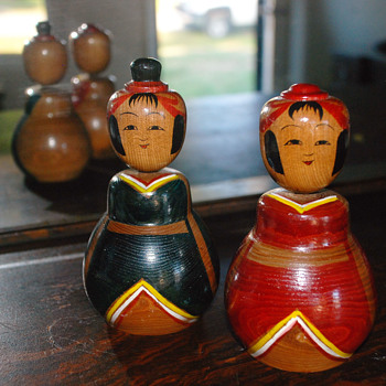 Found me a couple more Kokeshi dolls