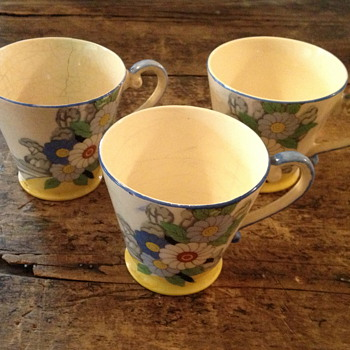 Chikaramachi hand painted Tea Cups - China and Dinnerware