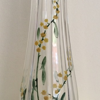 Plain (kristall) glass vase with enamelled flowers