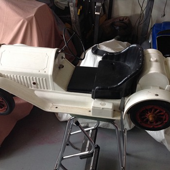 1960s marx Stutz Bearcat battery car