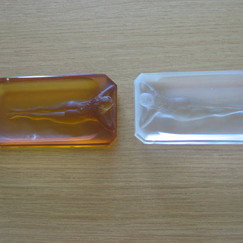 Hoffman pin trays - marked with butterfly - Art Glass