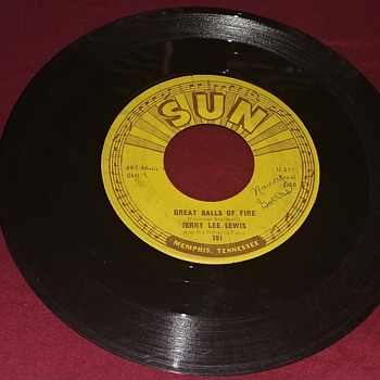 Jerry Lee Lewis. Sun Records 45 RPM.