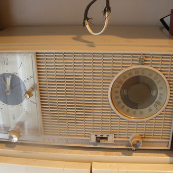 Zenith Clock Radio 