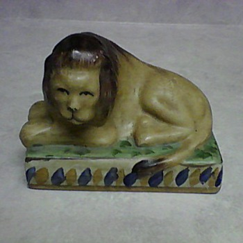 POTTERY LION  - Animals