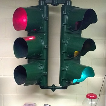 Marbelite 2-way Adjustible Traffic Light - Signs