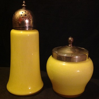 Yellow uranium shaker & conserve/mustard pot or sugar bowl - Glassware
