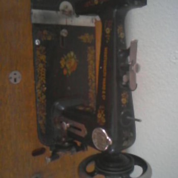 Vintage Montgomery Ward And Company Sewing Machine....Please Help