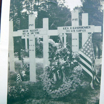 Old WWI soldier grave site photograph - Photographs