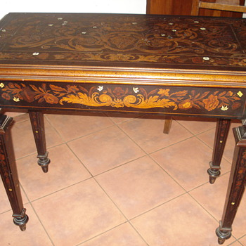18th century Dutch marquetry inlaid walnut fold over game table  - Furniture