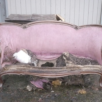 Victorian Love Seat - Furniture