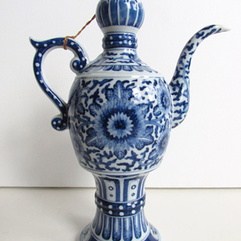 Chinese Blue & White Porcelain Teapot / Ewer Yongzheng Mark 1723-1735