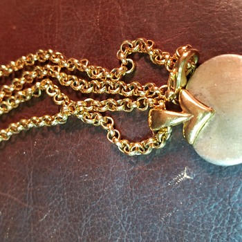 Gold heart necklace - Costume Jewelry