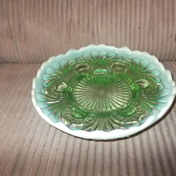 Green Opalescent Jefferson Glass Tokyo Pattern footed Bowl