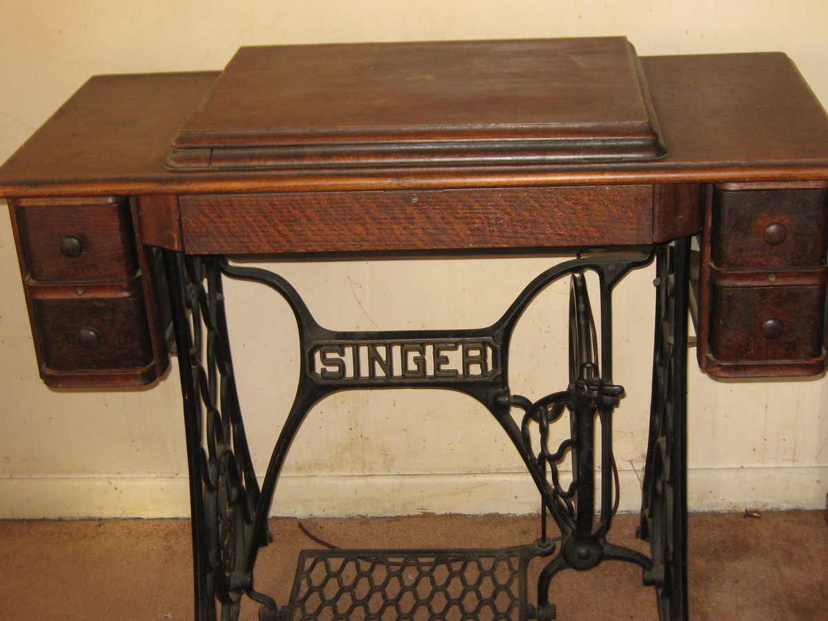 singer sewing machine table model