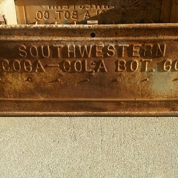 Vintage extremely rare bottle metal crate coca cola
