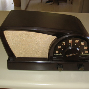  1950&#039;s Modern Atomic Age Truetone Boomerang Tube Radio  - Radios