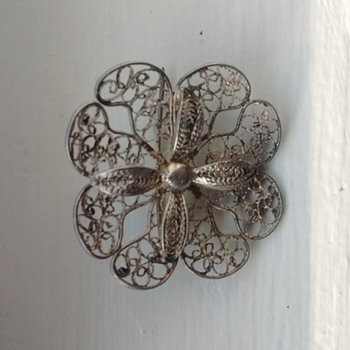 Flower Brooch - Costume Jewelry