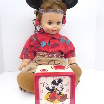 Mickey Mouse Clock/Radio - Clocks