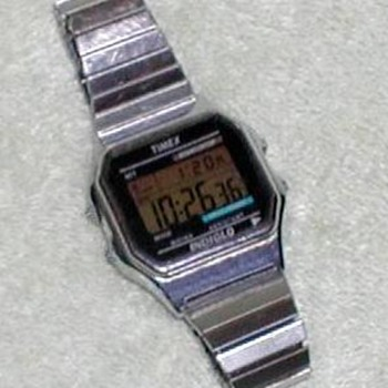 2000 - Timex Indiglo Digital Wristwatch - Wristwatches