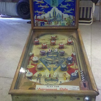 1943 Gottilieb &quot;Keep E&#039;m Flying&quot; Pinball Machine