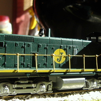 EJ&E #445 SW1000 HO scale - Model Trains