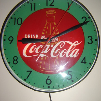 &quot;1957&quot; Pam green&amp; red bottle clock! - Coca-Cola