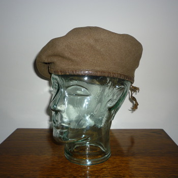 British WWII beret. Reconnaissance Corps - Military and Wartime