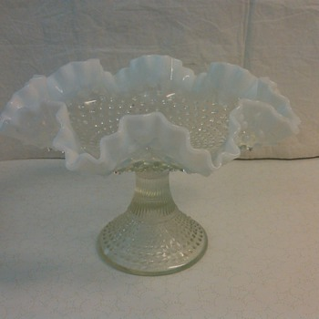 STUNNING &amp; RARE FENTON FRENCH OPALESCENT HOBNAIL FRUIT STAND 