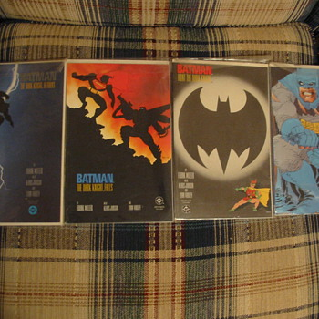 Batman - The Dark Knight Returns series 1st Edition Comics - Comic Books