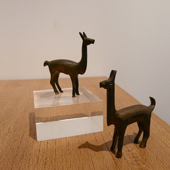 ANIMAL FIGURES
