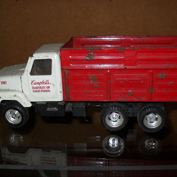 ertl international  truck