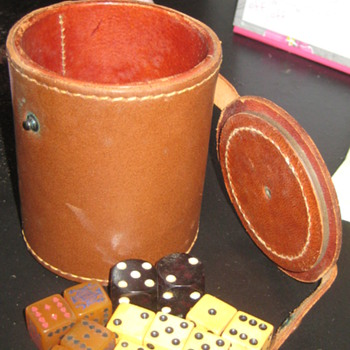 Vintage dice and dice roller - Games