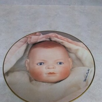 DOLLY  CHINA PLATE BYE-LO 1982