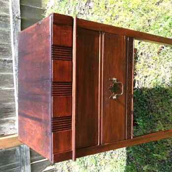 My Find... Is it a 1920's cabinet humidor?