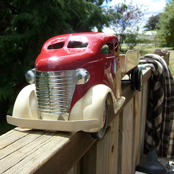 UNKNOWN PRESSED STEEL TRUCK - Model Cars