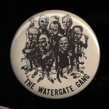 Watergate Gang + 3 other anti Nixon / Watergate pinback buttons - Medals Pins and Badges