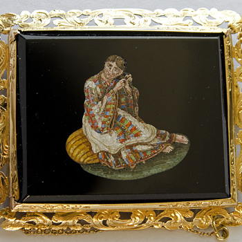Micro Mosaic colorful Brooch depicting a hair combing lady set in 18K - Fine Jewelry
