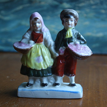 Little Dutch Couple - Art Pottery