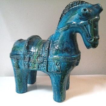 """Bitossi Ceramiche 10.5 """"  """"Rimini Blue"""" Cavollo (Horse)/Aldo Londi Design /Circa 1965"""