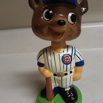 Undated Chicago Cubs Nodder Bobblehead Ceramic - Baseball