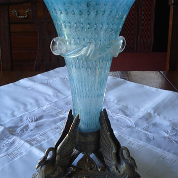 A victorian bubble glass British vase