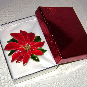 Vintage Poinsettia Brooch - Costume Jewelry