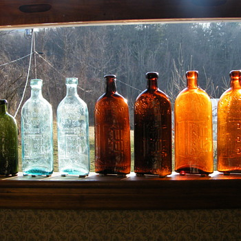Warner&#039;s Safe Cure Bottle&#039;s Collection - Bottles