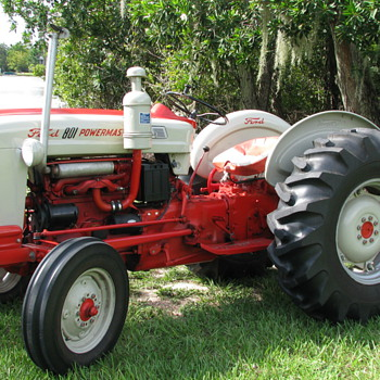1958 FORD 801 POWERMASTER DIESEL TRACTOR - Tractors