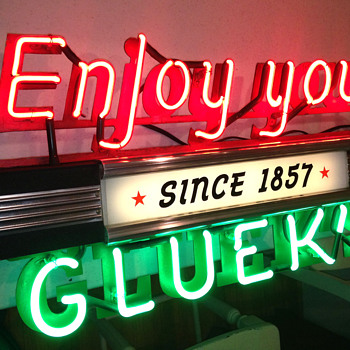 3-1930's era Glueks Brewing Co. lighted signs - Breweriana