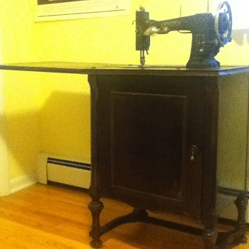 Working antique sewing machine w/cabinet bought at garage sale for a bargain! - Sewing