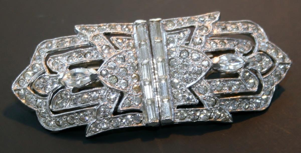 Art deco dress clip duette rhinestone costume jewelry for Art deco costume jewelry