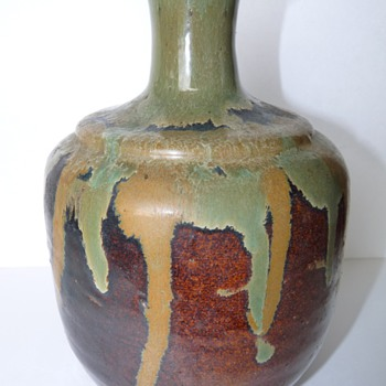 Can anyone help me identify the maker of this beautiful pottery? - Art Pottery